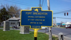 "Fort Brewerton Historic Marker ""Fort Brewerton, Original Earthworks of Fort Erected by British in 1759"""