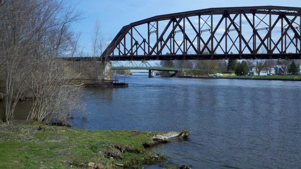 Bridges cross the Oneida River in Brewerton
